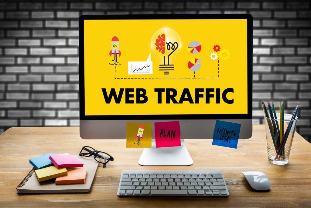 ilustração sobre tráfico web em computador sob mesa