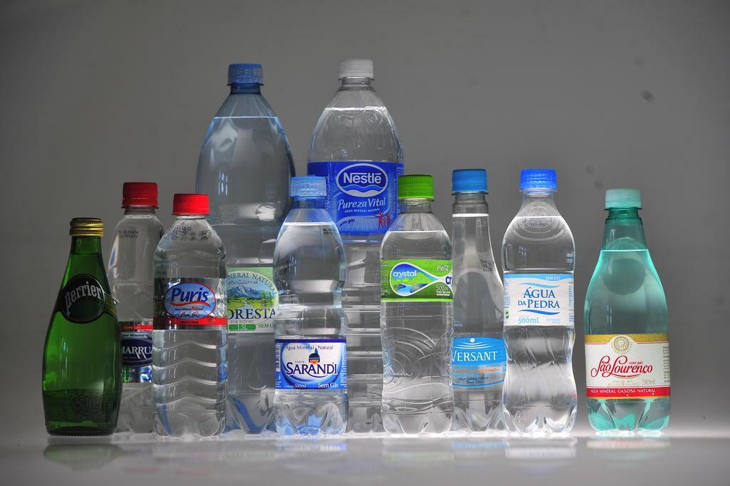 Como escolher a água mineral mais saudável